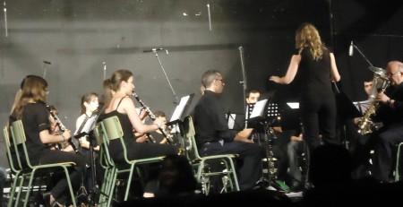 La Banda Académica, dirigida por María del Mar Pérez.