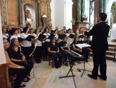 La Coral de la Escuela Municipal de Música, en la misa de la Patrona.