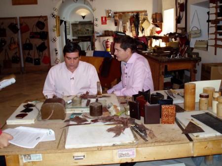 Rafael Cremades entrevista a José Pulido en el Museo de la PIel (Foto: Paco Solano).
