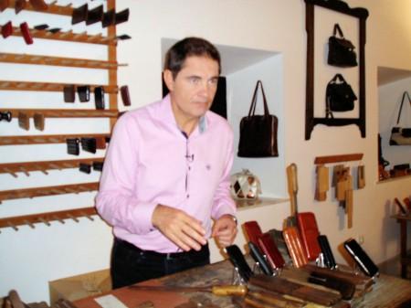 Rafael Cremades, en el Museo de la Piel (Foto: Paco Solano).