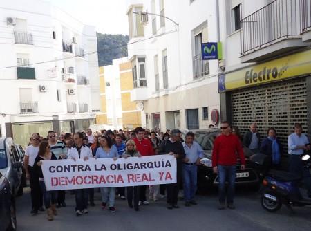 Cabecera de la manifestación, por el Paseo del Prado.