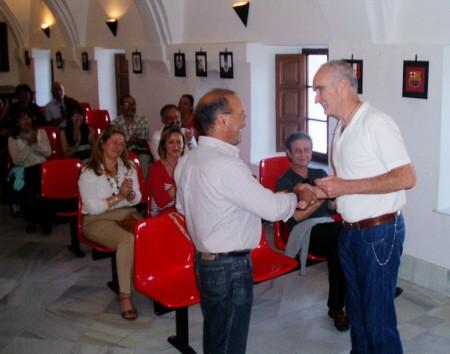 Entrega del galardón a Juan de Molina.
