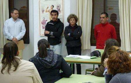 Los concejales Pepi Gloria Pérez y Víctor Chaves y los docentes Lius Iglesias y Manuel Castro.