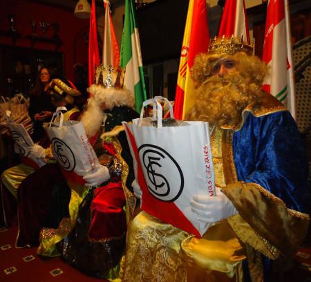 Los Reyes Magos, en su trono en la Peña.