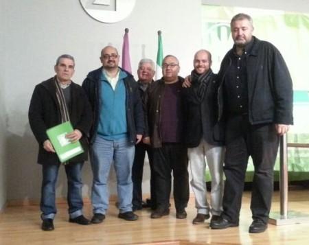 Javier Cabezas, con delegados de la agrupación andalucista de Ubrique y el secretario provincial, José María España.