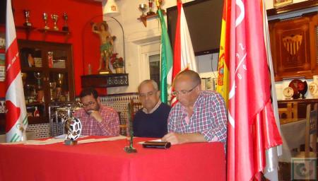 El secretario, Manuel Sígler, durante la lectura del informe de gestión.