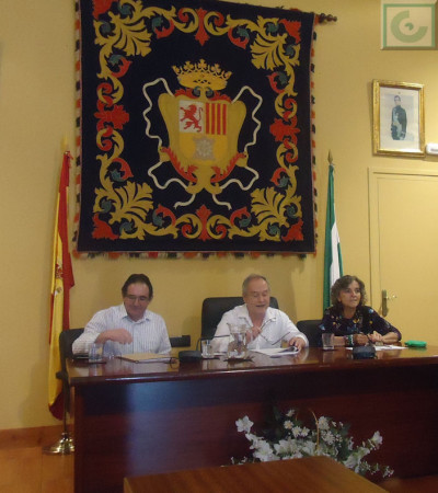 José Pino lee el relato del primer accésit.