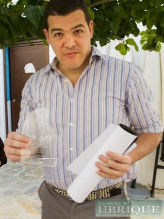 David Sierra García recibe el tercer premio.