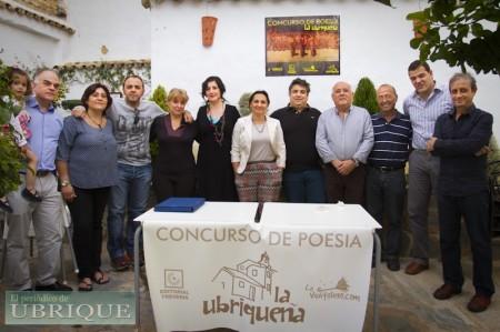 Organizadores, patrocinadores, miembros del jurado y premiados del II Concurso de Poesía 'La Ubriqueña'.