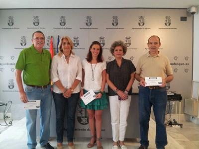 Entrega de premios del sorteo de las Noches Culturales del Casco Histórico (Foto: web municipal).