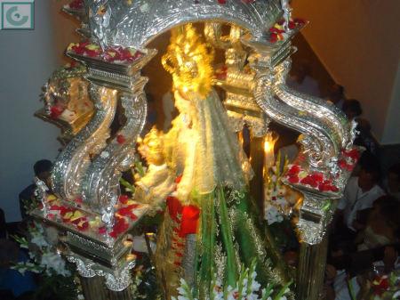 La Virgen de los Remedios, en procesión.