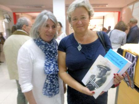 La delegada de Hespérides en Cádiz, Inmaculada Gavira Vallejo, y la directora de la Biblioteca de Tánger, Cecilia Fernández Suzor.