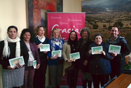 Las personas premiadas, con la concejal de Fiestas, Pepi Gloria Pérez.
