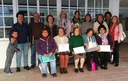 Participantes en el taller, con el tutor, Juan de Molina, y la concejal de Cultura, Josefina Herrera.