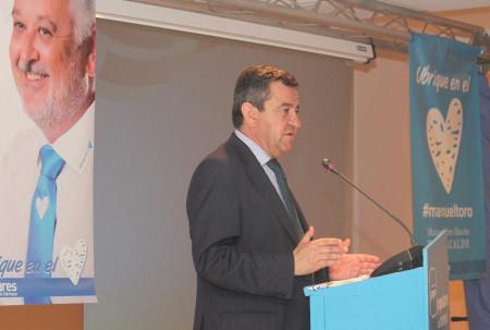 El presidente de la Diputación de Cádiz, José Loaiza, durante su intervención.