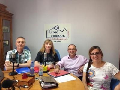 Los cuatro primeros candidatos de IU, en la emisora municipal (Foto: Radio Ubrique).