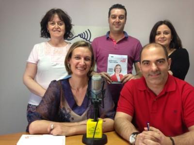 Isabel Gómez y otros integrantes de la candidatura socialista (Foto: Radio Ubrique).