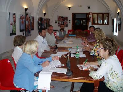 Paticipantes en la reunión celebrada en el Convento (Foto: Paco Solano).