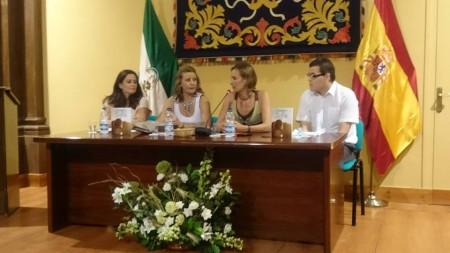Participantes en la presentación del libro (Foto: facebokk de Isabel Gómez).