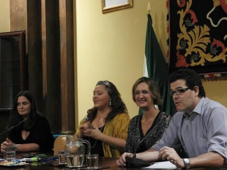 Magdalena Burgallo, Ana E. Venegas, Isabel Gómez y David Sierra, en la presentación.