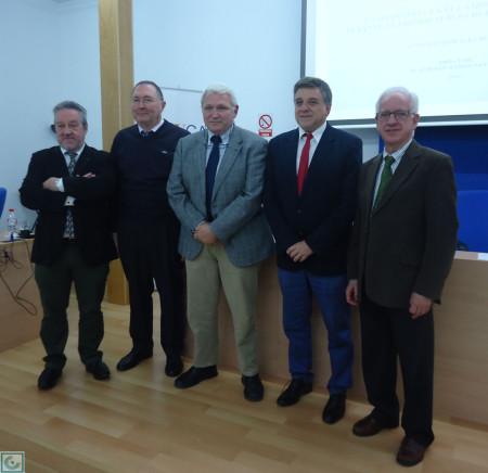 Antonio Morales Benítez, con los miembros del tribunal y su director de tesis.