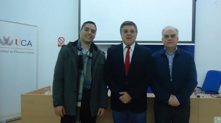 El doctor Antonio Morales Benítez, con el también doctor en Historia Fernando Sígler Silvera y el arquitecto Jesús Román García.