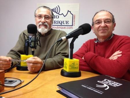 José García y Miguel González, representantes de IU, en su intervención en la emisora municipal Radio Ubrique.