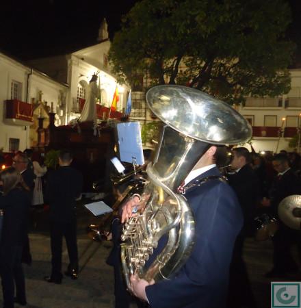 El Cautivo, pasando por el Ayuntamiento, con la Agrupación Musical Ubriqueña como acompañamiento musical.