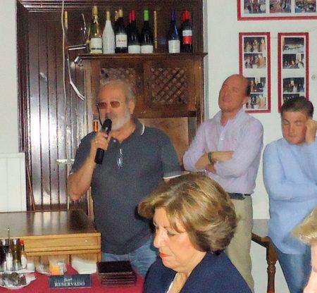 Luis Miguel Fernández interviene en el coloquio.