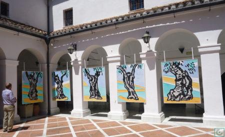 La muestra es un homenaje pictórico al olivo.