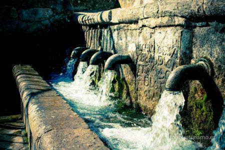 Fuente de los Nueve Caños (Foto: www.ubriqueturismo.es).