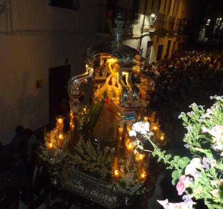El paso de la Virgen.