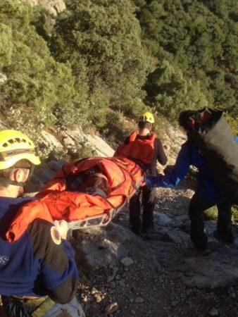 Traslado de la accidentada (Foto: Grupo de Rescate en Montaña).