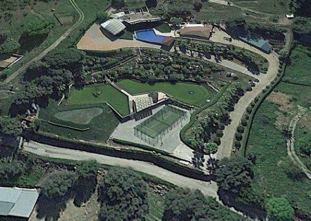 Según Ecologistas en Acción, el Ayuntamiento y la Junta pretenden autorizar un hotel en la mansión 'ilegal' que construyó 'El Turronero'