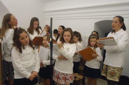 Preparación para una interpretación en la misa del Domingo de Ramos.