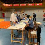 Preparación de la distribución de mascarillas adquiridas por los cuatro grupos políticos municipales para todos los habitantes de Ubrique.