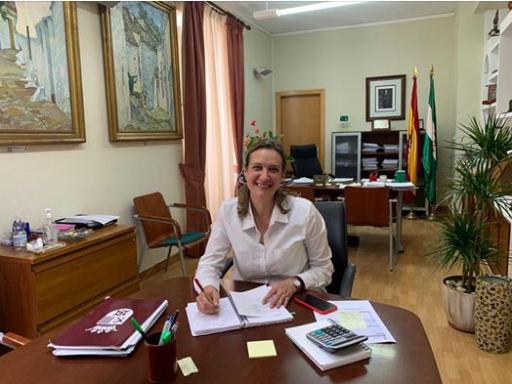 La alcaldesa anuncia la suspensión de la Feria