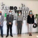La delegada del Gobierno garantiza el respaldo a la formación profesional en su visita al Centro Tecnológico de la Piel
