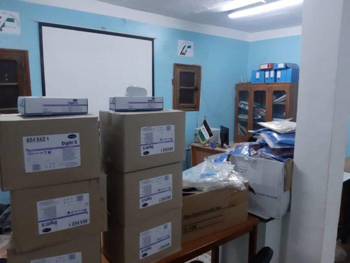 Material sanitario recibido por los saharauis refugiados