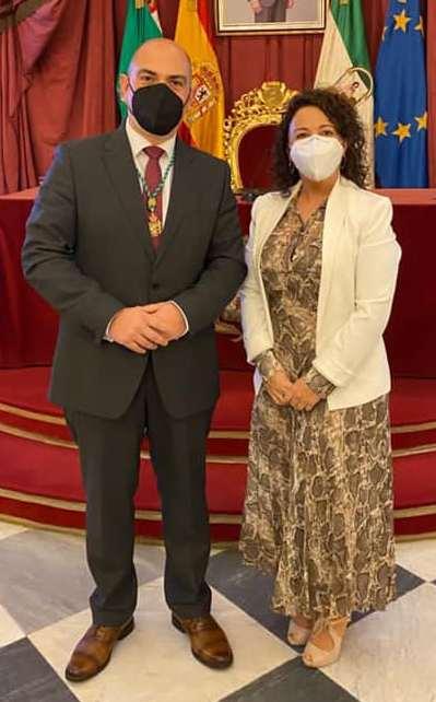 Laura Domínguez, con el diputado provincial Manuel Ángel Chacón.