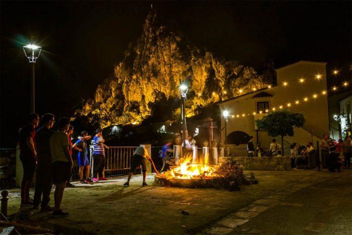 Fiesta de la Crujida de gamones en Ubrique