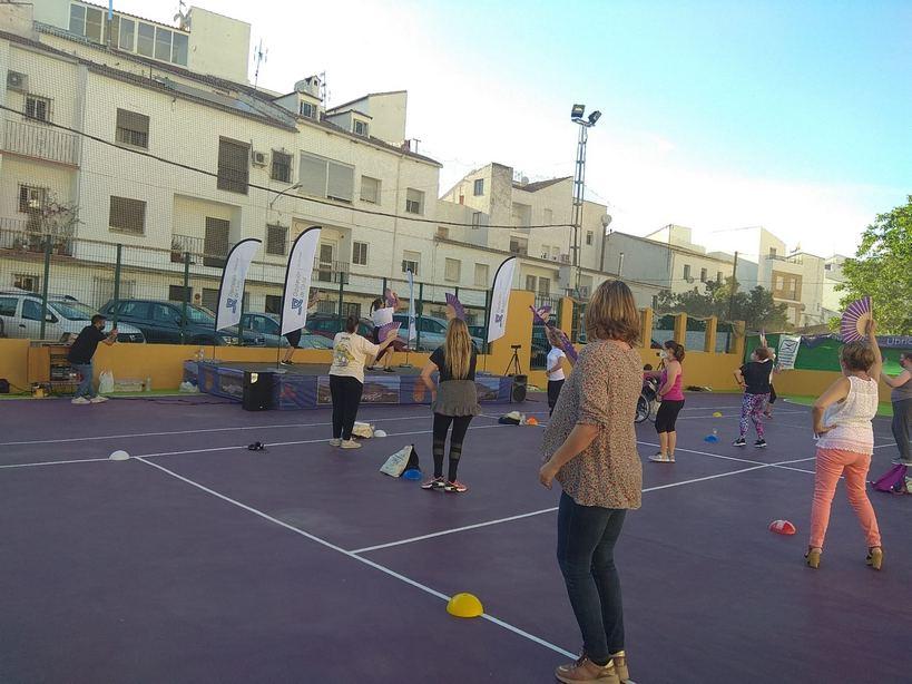 Actividad desarrollada en la cancha del polideportivo.