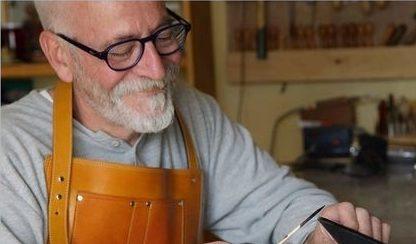 José Luis Bazán, finalista de los premios nacionales de artesanía